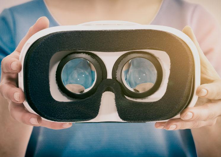 VR (Virtual Reality)